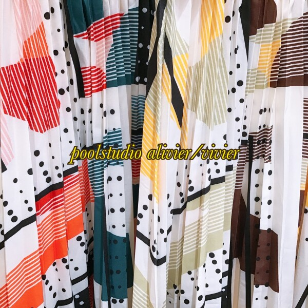 《NEW ARRIVAL》★幾何学模様プリーツスカート
